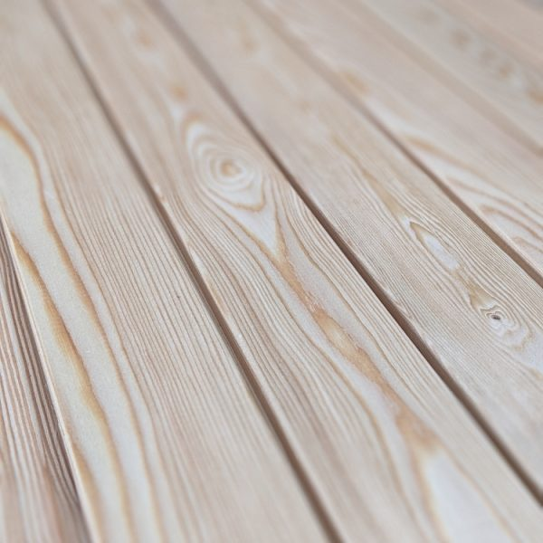 Our Larch interlocking slats are of the highest quality